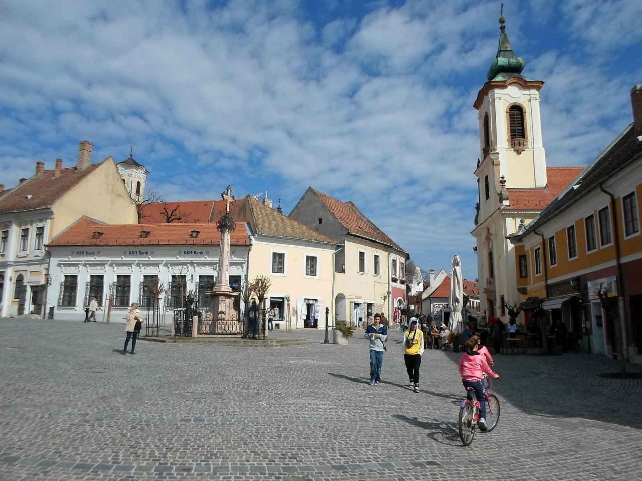 Szentendre – The Town Of Artists: The Mediterrenean Jewellery Box Of The Danube Bend