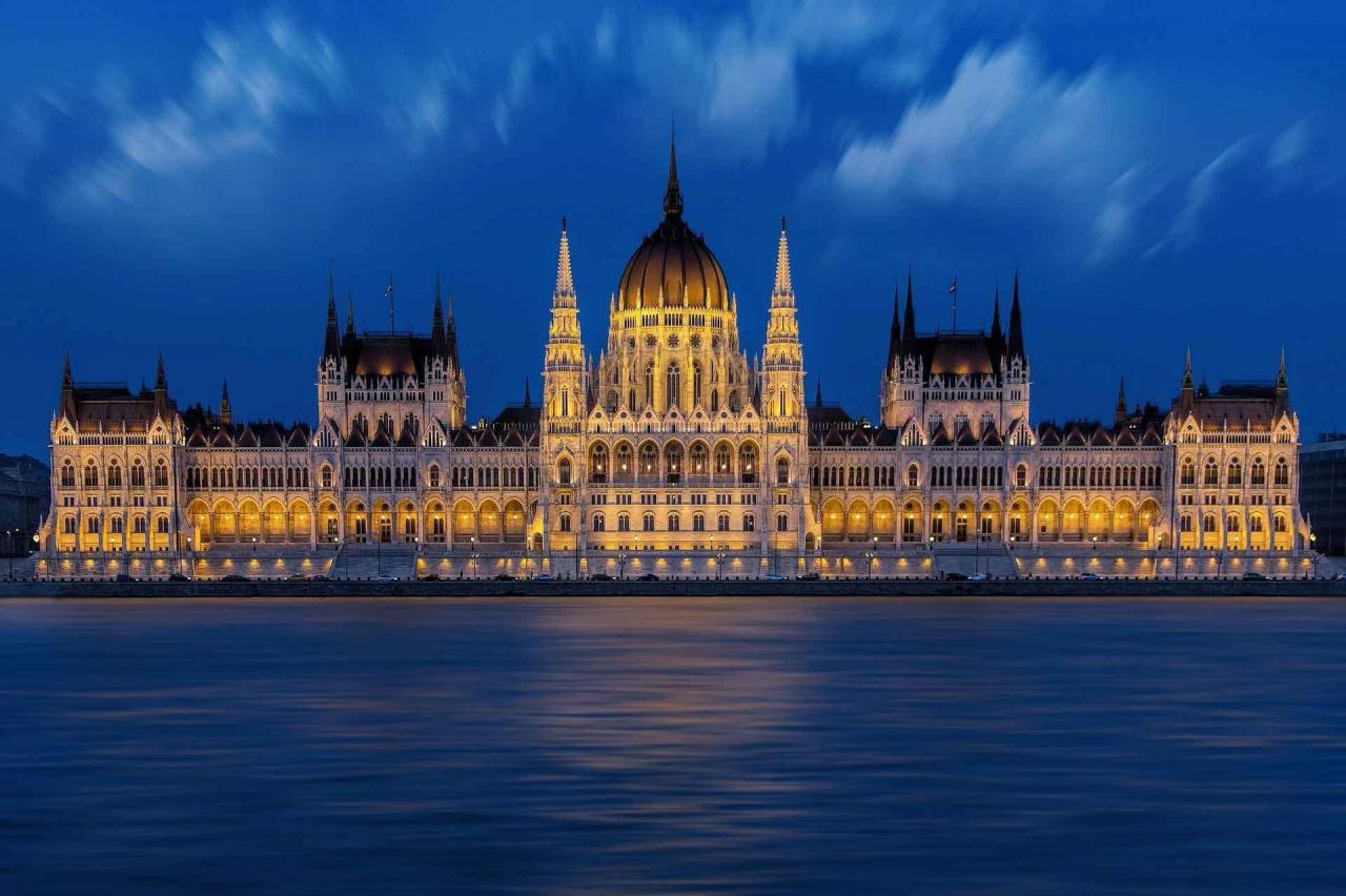 Parliament Visit with Drink and Cruise on the Danube