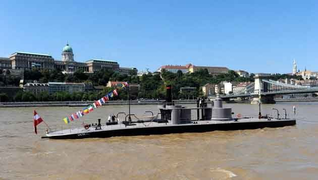 Budapest Naval and Ship Museum with Lunch& Cruise