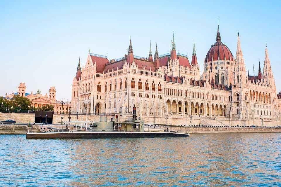 Parlamento Turu ve Savaş Gemisi Müze Girişi