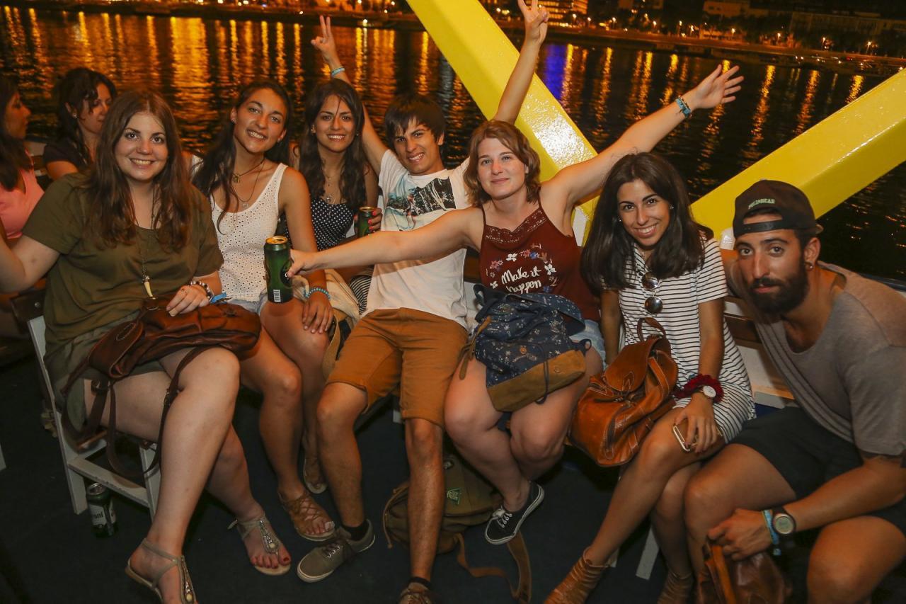 Party a Dunán Budapesten